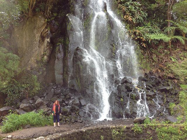 Vízesések, mindenhol vízesések. Ez egy útmenti példány :)