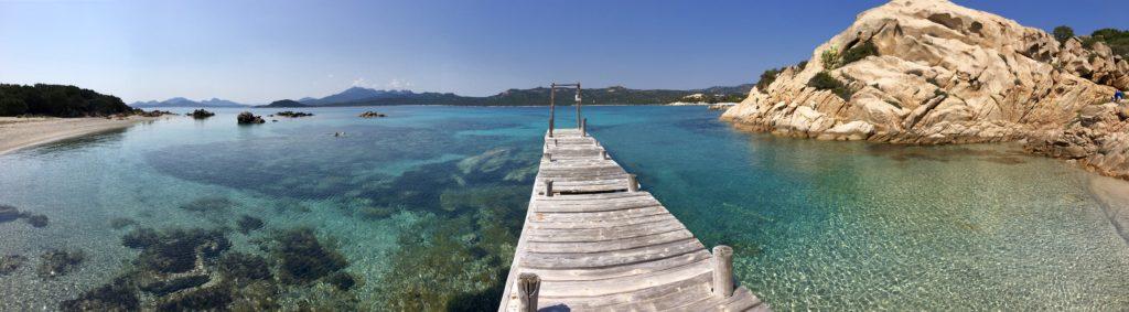 smaragd tengerpart szardínia szigetén