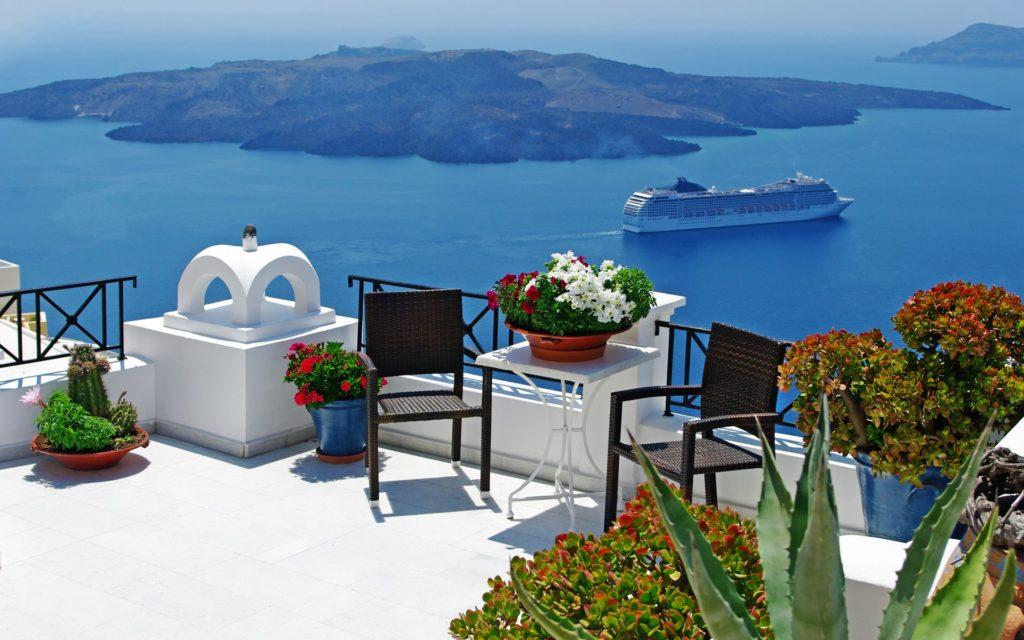 Santorini topo 10 látnivalók kék tenger, fehér házak és gyönyörű virágok világába. Egyszer látni kell!