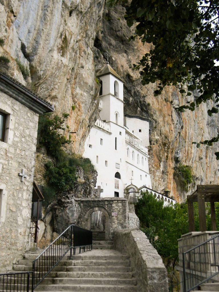 Montenegró látnivalói - Ostroga