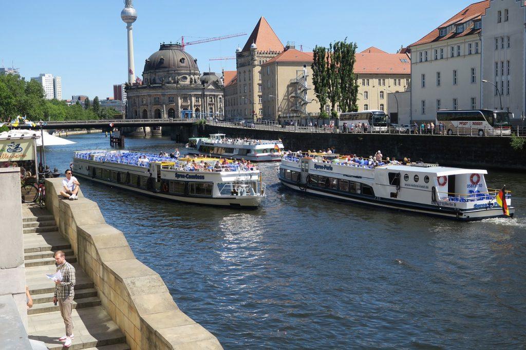 Berlin látnivalók 3 napra - hajókázás