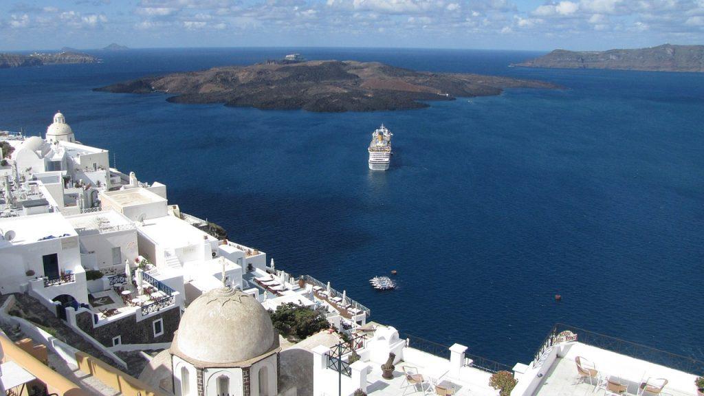 Santorini hajóval