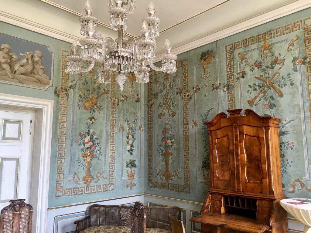 friedrichsfelde palota egyik szobája. csodás