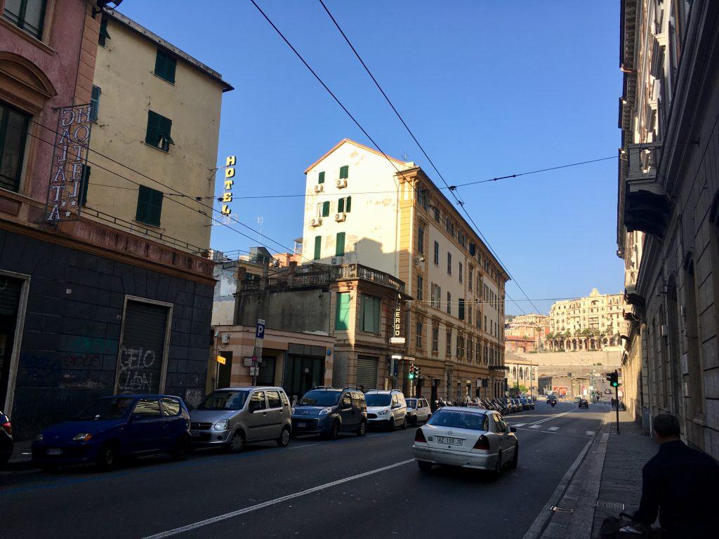 Genova kikötője felé az úton