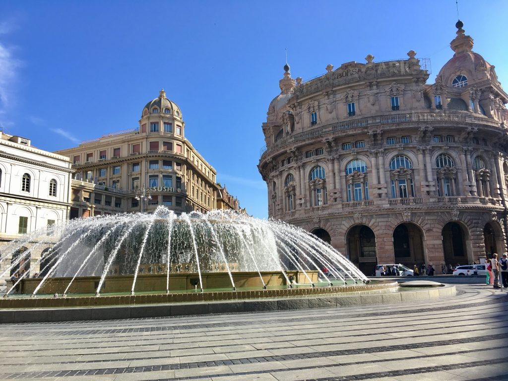 A Piazza del Ferrari Genovában - szökőkút