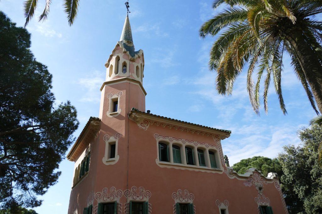 A Güell park barcelonába és az ottani épületek.