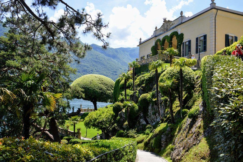 Comoi-tó látnivalói - botanikus kert