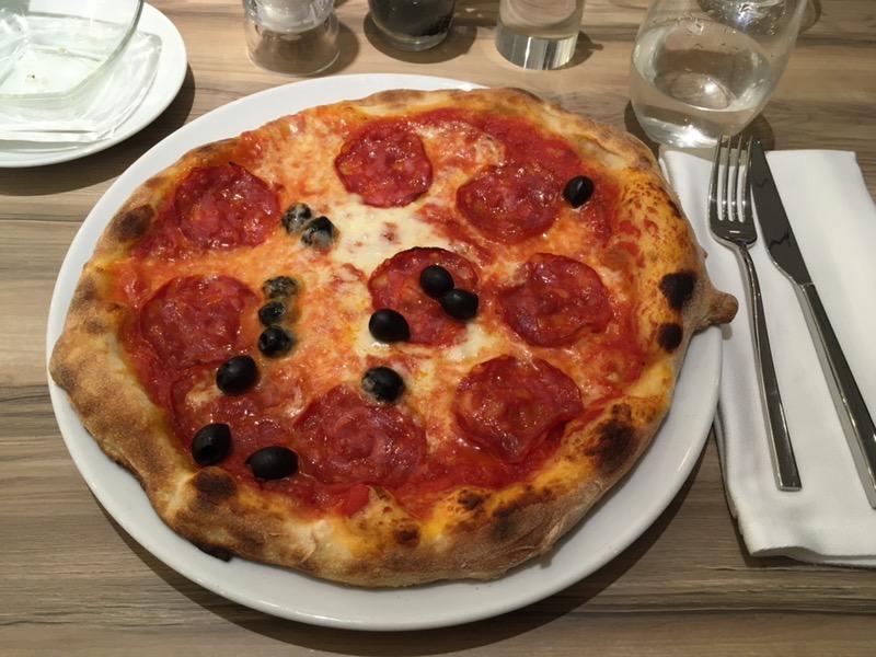 Ételek a Costa Smeralda hajón - Pummid' oro pizzéria.