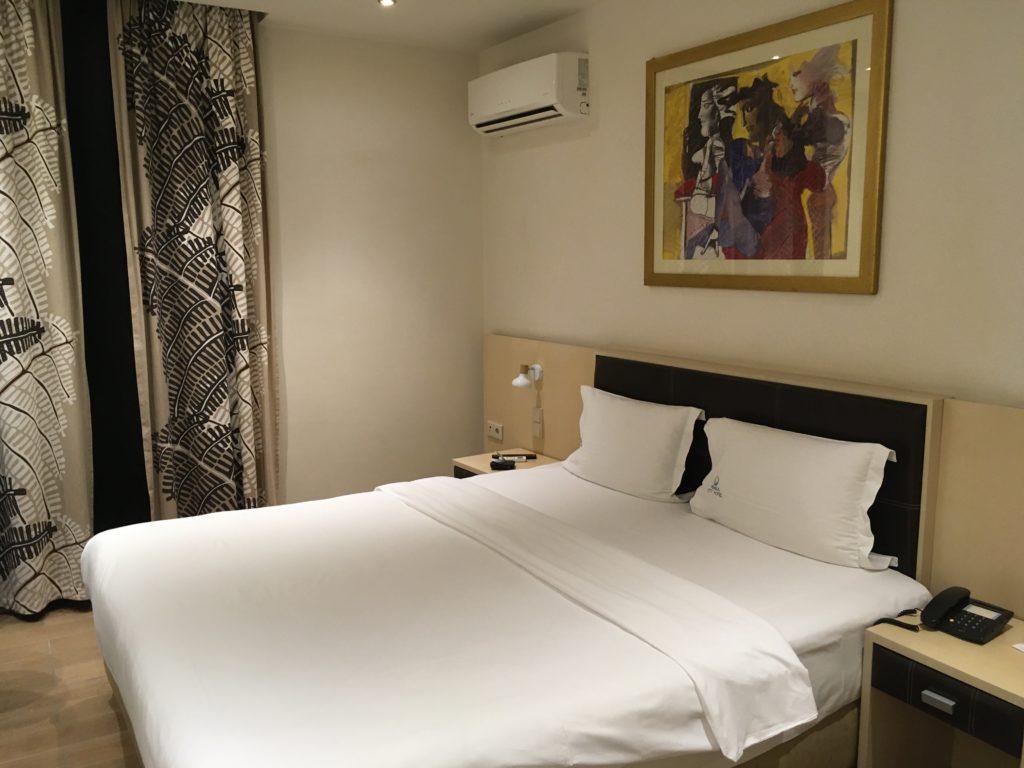 Egy jó szálloda Pireuszban: Kiűzetésem a Paradicsomból